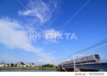 中川橋梁を渡る京成電鉄3000形電車 69390899