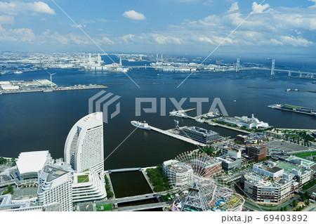 都市景観 横浜港とみなとみらいの眺望 69403892