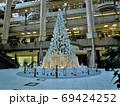 横浜ランドマークタワーのクリスマスツリー 69424252