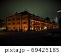 横浜赤レンガ倉庫ライトアップ、みなとみらい夜景 69426185