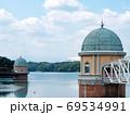 多摩湖 湖畔 夏 取水塔 69534991