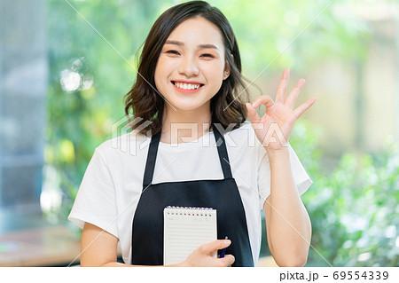 Woman. waitress 69554339
