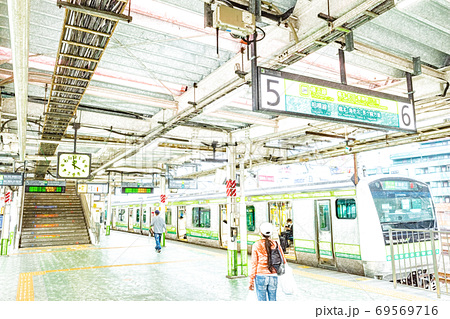 【駅風景】JR横浜線 八王子駅 ホーム【色鉛筆】 69569716