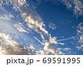 日の出残光の雲【朝日】 69591995