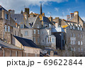 Saint Malo. Houses in the old town. 69622844