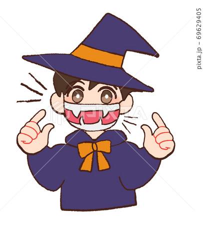マスクをしてハロウィンのコスプレをする子ども 69629405