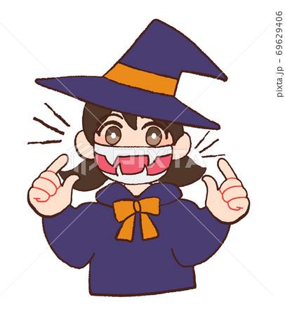 マスクをしてハロウィンのコスプレをする子ども 69629406