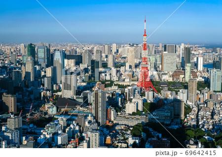 六本木ヒルズから眺める東京の街並み 69642415