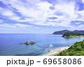 福岡県 糸島市  美しい二見ヶ浦の海と夫婦岩 69658086