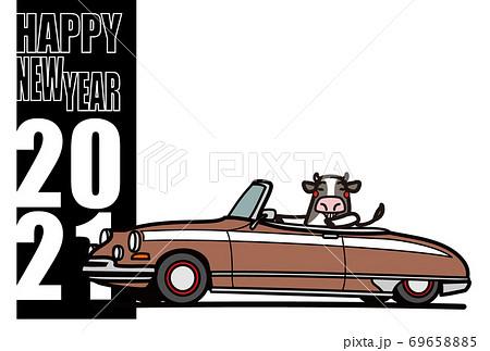 2021年年賀状 テンプレート 牛と古いフレンチオープンカー 69658885