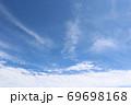 富士山のふもとで撮った青空と雲 69698168