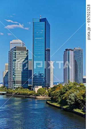 大阪ビジネスパーク OBPの青空 69702328
