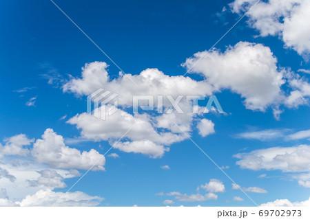 青空とひつじ雲 69702973