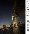 東京湾クルーズから見たレインボーブリッジ 69718297