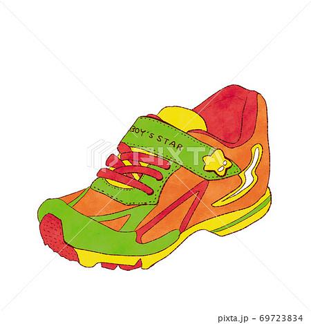 子供の運動靴 69723834