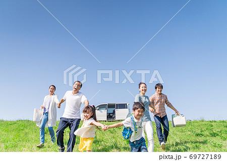 三世代家族、青空、旅行 69727189