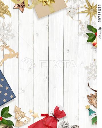 クリスマスの背景素材 - 複数のバリエーションがあります 69733056