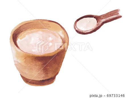 湯呑に入った甘酒とスプーン 水彩素材 69733146