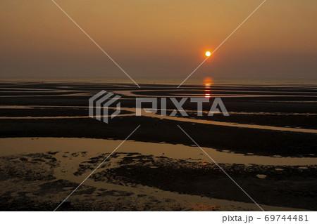 真玉海岸の夕日 69744481