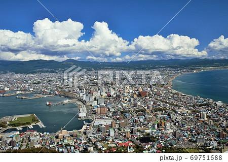 函館山からの函館市内の風景(日中) 69751688