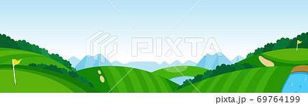 パノラマのゴルフコース。丘の続く広大なゴルフ場。 69764199