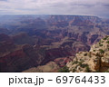 【アメリカ】壮大なグランドキャニオンのグラデーション 69764433