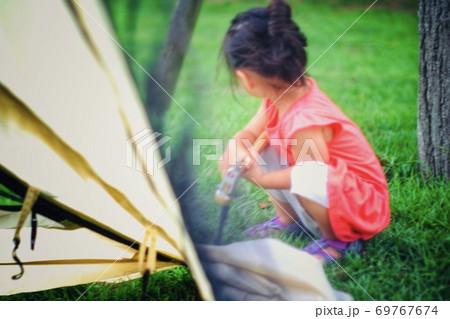 テント設営のお手伝い サマーキャンプ 69767674