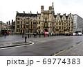 ウェストミンスタースクール入口建物と「クリミア戦争とインド反乱記念碑」 69774383
