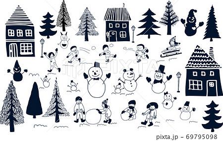 雪だるまと雪合戦 69795098