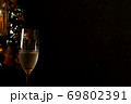 クリスマス ツリー シャンパングラス 69802391