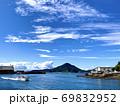 愛媛県松山市三津浜港と船 69832952