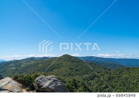 明王の禿から見た三国山(琵琶湖付近の赤坂山・三国山) 69845849