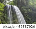 真夏の滝 69887920
