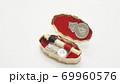 レトロなソーイングセットケース 69960576