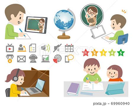 タブレットを使って勉強する子供たち 69960940