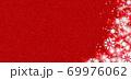 雪の結晶 ホワイト 背景 赤 69976062