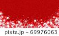 雪の結晶 ホワイト 背景 赤 69976063