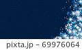 雪の結晶 ホワイト 背景 青 69976064