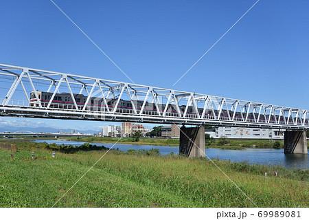 多摩川を渡る京王相模原線 69989081