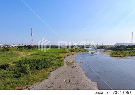 神川橋から見た相模川(神奈川県平塚市・寒川町) 70053963