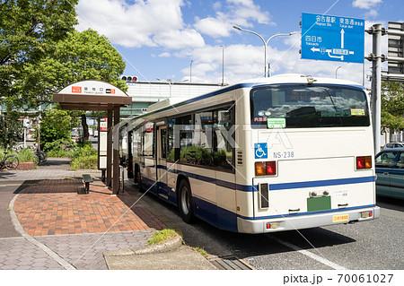 名古屋市港区 名古屋交通局 築地口駅 市バス乗り場と市バス 70061027