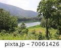 志賀高原夏の丸池の風景 70061426