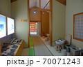 大阪城残石記念公園、工程を棟ごとに分けてある施設の館内の様子(加工棟)・小豆島・北浦港 70071243