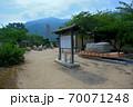 大阪城残石記念公園、大阪城の石垣を運んだ修羅(ソリ)と、切り出された巨大な石垣・小豆島・北浦港(5) 70071248