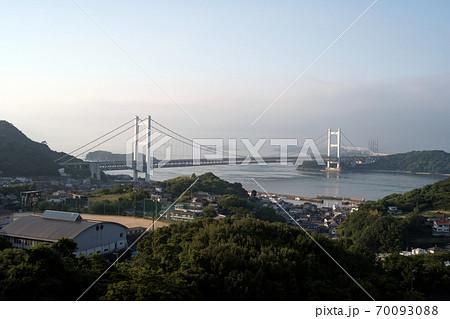 下津井から見る本州四国連絡橋(下津井瀬戸大橋) 70093088