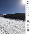 晴天のスキー場 70097736