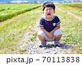 イヤイヤする幼児 70113838