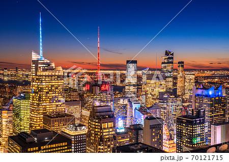 《ニューヨーク》マンハッタンの摩天楼・夜景 70121715