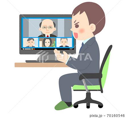 身振り手振りをしながらテレビ会議に参加するサラリーマン 70160546