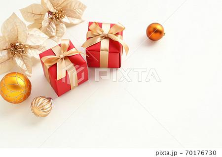 クリスマスプレゼント 70176730